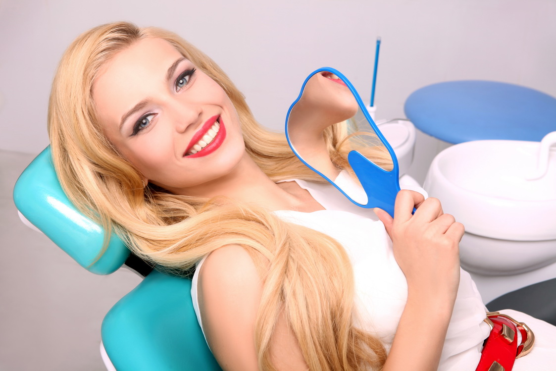как безопасно отбелить зубы у стоматолога