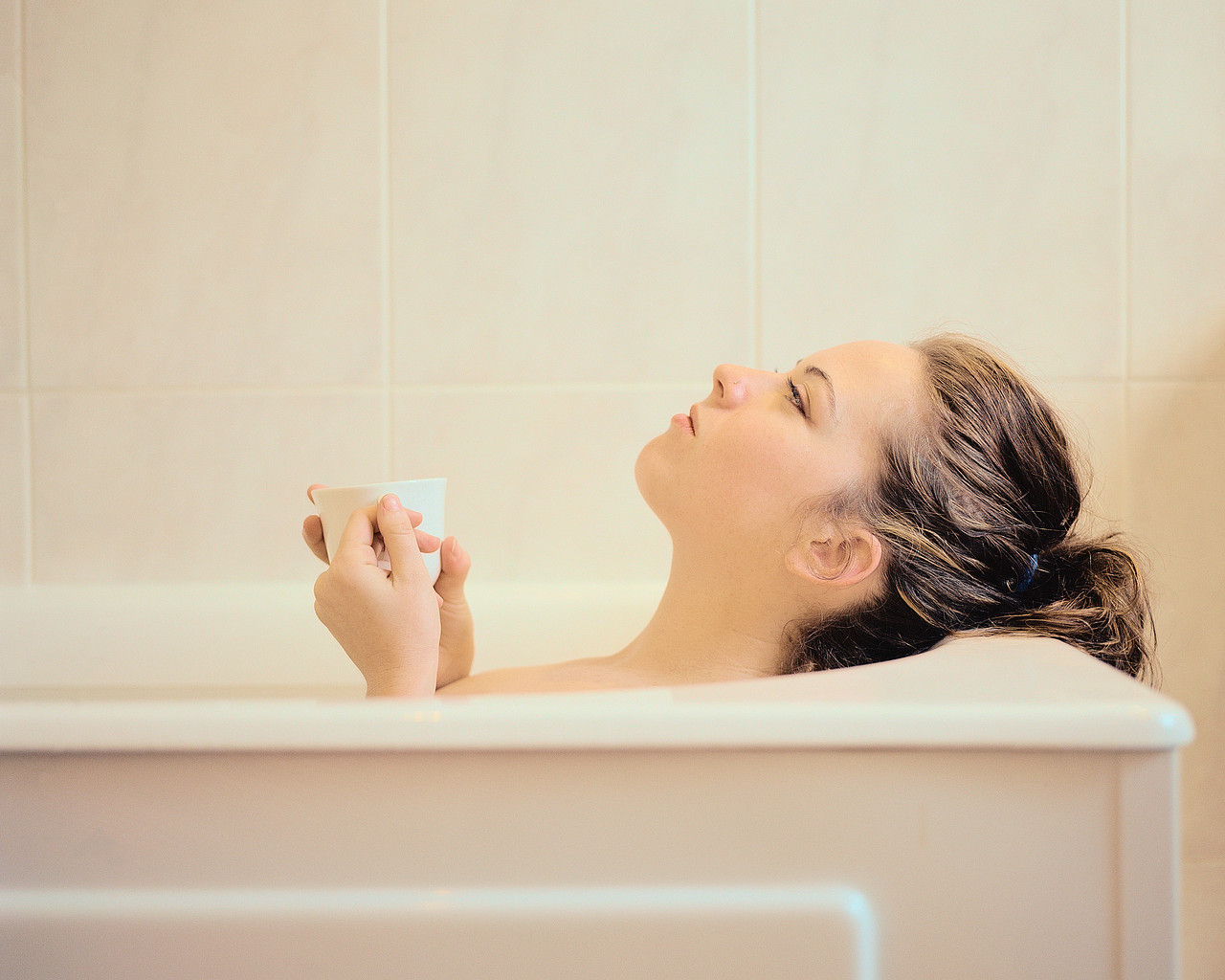 Фото ванна крови а в ней девушки