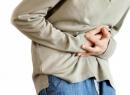 Почему болит утром живот: причины и последствия