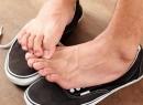Палец на ноге чешется: возможные причины и особенности лечения
