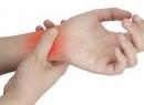 Перелом кисти руки: симптомы, диагностика и лечение