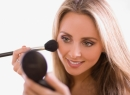 Какой делать макияж, чтобы выглядеть моложе?