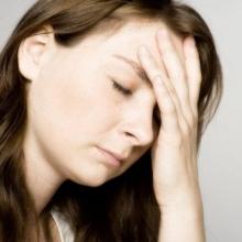 Заплывают глаза: что делать, причины, диагностика и особенности лечения