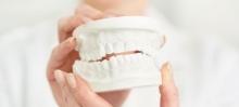 Правильный уход за зубным протезом - протезы и импланты, уход, средства protefix, зубной протез