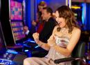 Любят ли женщины играть в казино